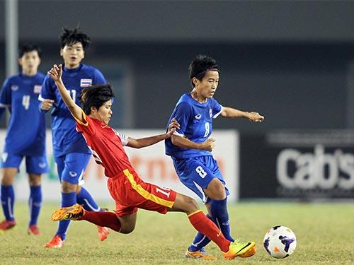 Lê Thị Thương (trái) và đồng đội không thể bảo vệ HCV giành được ở SEA Games 2009 Ảnh: NGỌC LINH