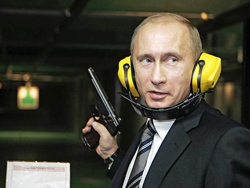Tổng thống Vladimir Putin muốn đưa Nga trở lại vị trí siêu cường Ảnh: Reuters