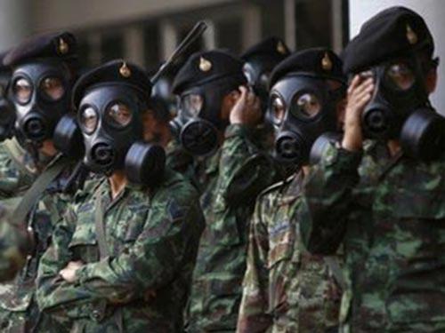 Tình hình Bangkok đang căng thẳng sau các vụ đụng độ đổ máu giữa người biểu tình chống chính phủ và lực lượng an ninh Ảnh: REUTERS