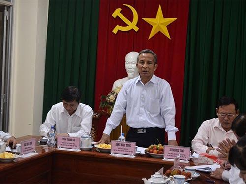 Chủ tịch Tổng LĐLĐ Việt Nam Đặng Ngọc Tùng phát biểu tại buổi làm việc với LĐLĐ TP Cần Thơ