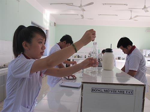 Học viên đang học nghề tại Trường Trung cấp Bách khoa Sài Gòn