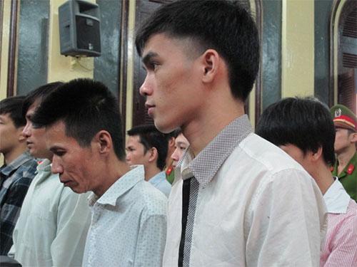 Hồ Duy Trúc và các đối tượng trong băng cướp nghe tòa tuyên án