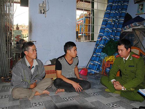 Công an phường Hương Sơ thăm hỏi người vừa ra tù về tội trộm cắp tài sản