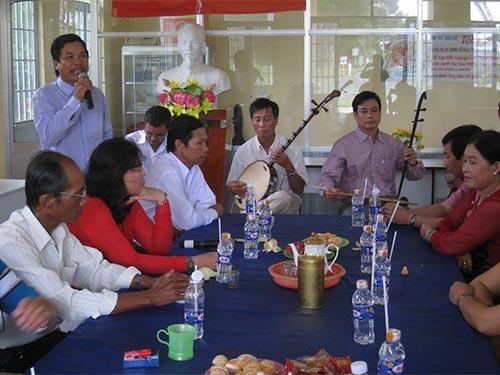 Một buổi sinh hoạt định kỳ của CLB Đờn ca tài tử huyện Phước Long, tỉnh Bạc Liêu