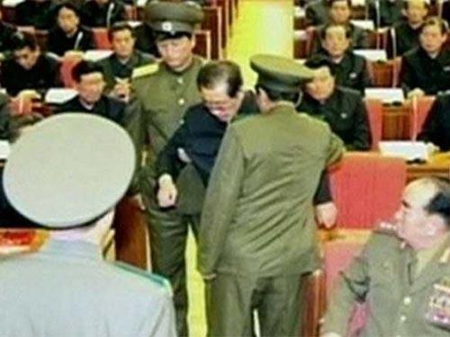 Ông Jang bị bắt ngày 8-12  Ảnh: ĐÀI TRUYỀN HÌNH TRUNG ƯƠNG TRIỀU TIÊN