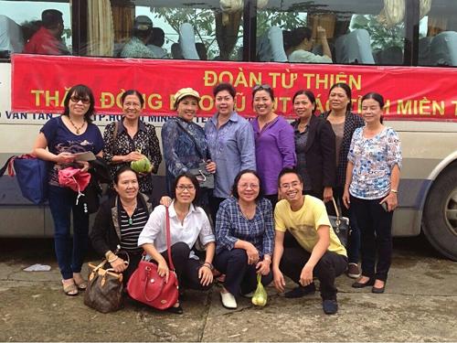 Đoàn công tác từ thiện xã hội của NSND Lệ Thủy tại Quãng Ngãi