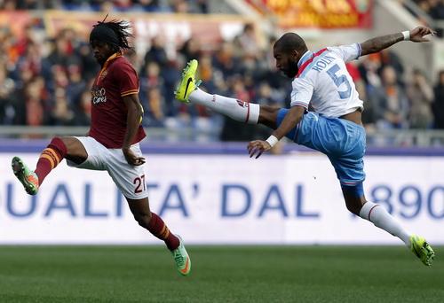 Roma (trái) thi đấu dưới sức, nhận thất bại nặng nề nhất từ đầu giải