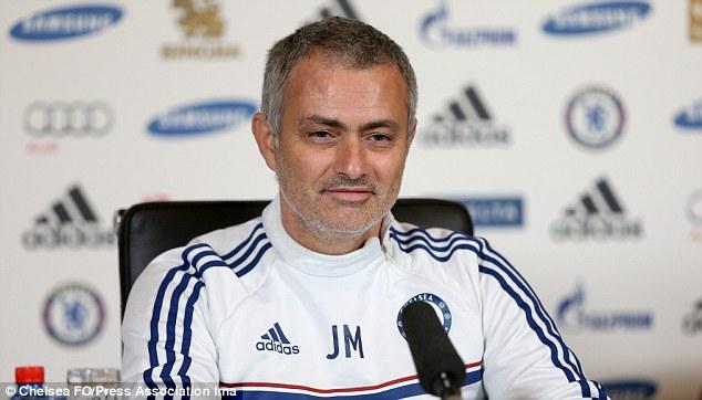 Ông Mourinho phát biểu trong cuộc họp báo trước trận Arsenal - Chelsea vào rạng sáng 24-12