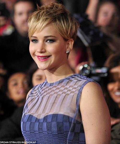 """Jennifer Lawrence được vinh danh """"Nghệ sĩ của năm"""""""