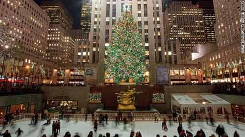Cây thông Noel tại Trung tâm Rockefeller. Ảnh: CNN