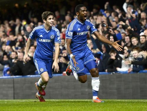 Eto'o và Oscar, hai cầu thủ Chelsea chơi ấn tượng nhất trận cầu đinh