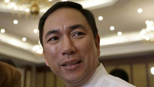 Bộ trưởng Năng lượng Philippines Jericho Petilla   Ảnh: AP