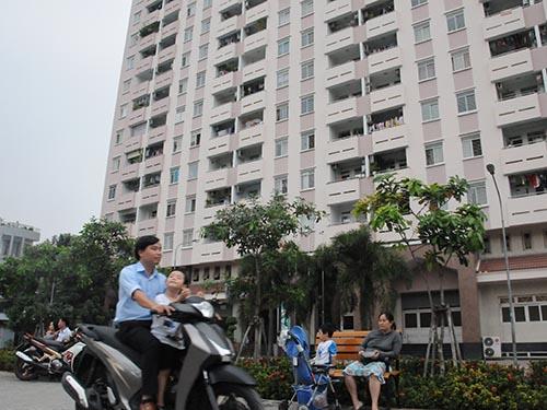 """Chung cư Nguyễn Ngọc Phương (quận Bình Thạnh, TP HCM) từng bị đơn vị điện, nước """"dọa"""" cắt cung cấp dịch vụ  Ảnh:  HỒNG THÚY"""