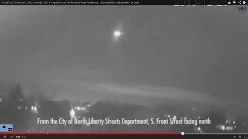 Quả cầu lửa xuất hiện trên bầu trời Mỹ. Ảnh chụp màn hình.