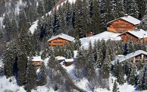 Vùng núi Meribel trên rặng Alps, nơi Schumacher trượt tuyết và gặp tai nạn