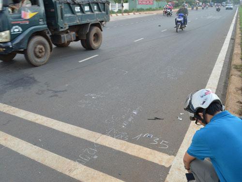 Hiện trường vụ tai nạn làm chị Lê Thị Minh Tâm chết tại chỗ