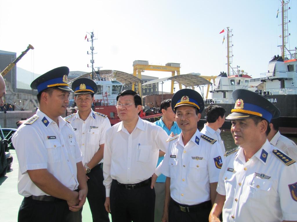 Tổng công ty Sông Thu dóc toàn lực sửa chữa tàu Cảnh sát biển bị Trung Quốc đâm va hư hỏng trong thời gian sớm nhất