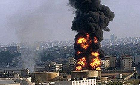Một kho vũ khí của Iran bị nổ gần thủ đô Tehran. Ảnh: Daily Mail