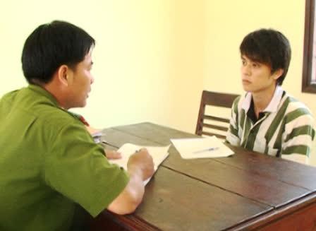 Nguyễn Văn Hòa tại cơ quan công an