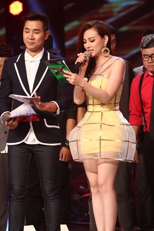 Ca sĩ Thu Thủy cùng với Nguyên Khang trong chương trình Nhân tố bí ẩn