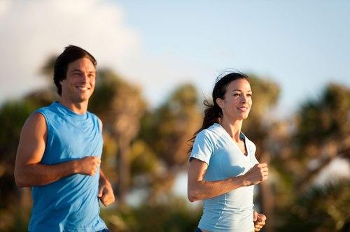 Tập thể dục đều đặn giúp tăng ham muốn ở cả nam và nữ.