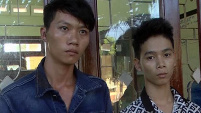 Khoa và Ninh bị bắt sau khi dùng rựa chém lìa tay công an xã