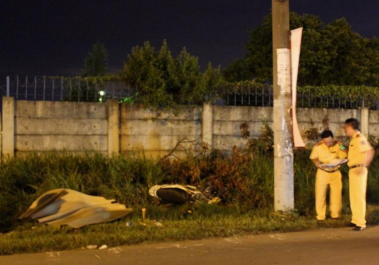 Hiện trường vụ tai nạn làm một thanh niên chết, một người bị thương nặng.