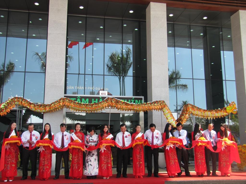Trung tâm hành chánh Đà Nẵng trong ngày khánh thành