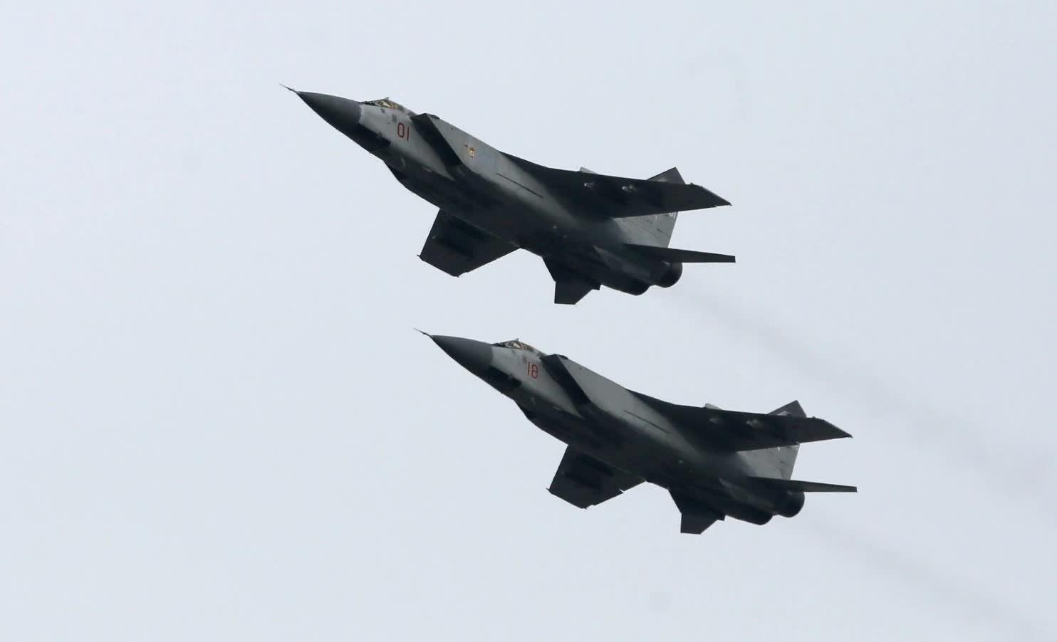 Máy bay MiG-31 của Nga bay quanh khu vực châu Âu hôm 28 và 29-10. Ảnh: Reuters