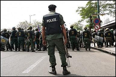 Cảnh sát Campuchia vừa giải cứu 10 con tin Việt Nam bị bắt cóc và tra tấn. Ảnh: Flickr