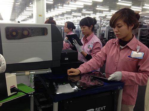 Tổng số lao động làm việc tại nhà máy Samsung Thái Nguyên đã lên đến 33.000 người, trong đó chỉ có 160 người Hàn Quốc Ảnh: Linh Anh