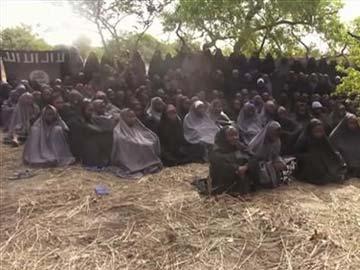 Những phụ nữ trẻ bị nhóm Boko Haram bắt và giam giữ. Ảnh: AP