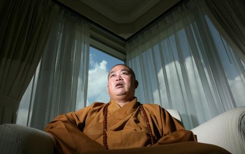 Trụ trì chùa Thiếu Lâm Shi Yongxin. Ảnh: SCMP
