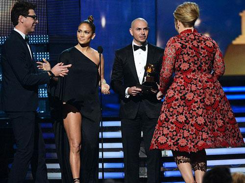 Định xông ra phá lễ trao Giải Grammy 2013