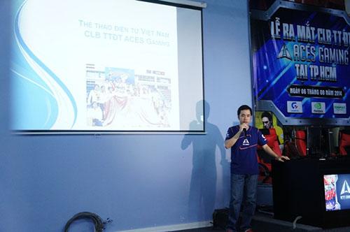 Giám đốc Dương Vi Khoa đang giới thiệu