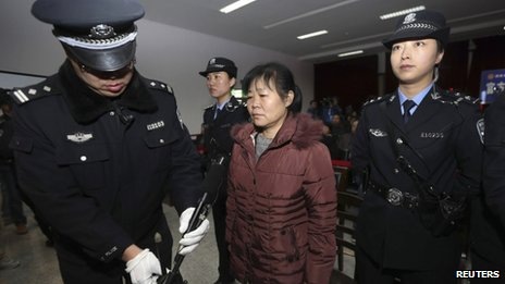 Bác sĩ sản khoa Zhang Shuxia bị tử hình treo vì bán 7 trẻ sơ sinh. Ảnh: Reuters