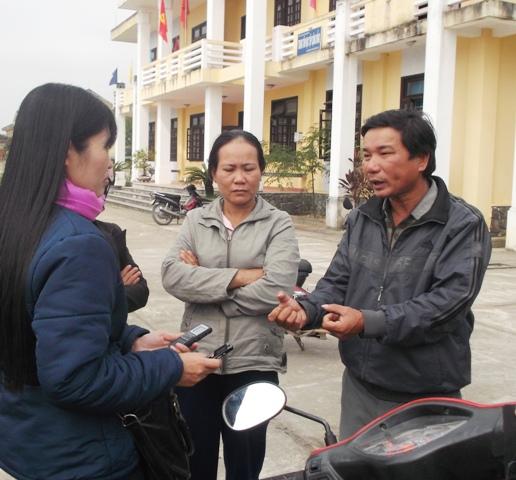 Vợ chồng anh Hùng tường thuật sự việc với PV vào sáng 22-2
