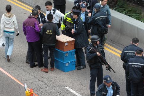 Cảnh sát chỉ thu hồi được khoảng 3,6 triệu HKD trong tổng số 15 triệu HKD. Ảnh: SCMP