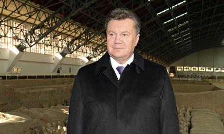 Ông Yanukovich đã bị đưa vào danh sách truy nã quốc tế vì tội giết người hàng loạt. Ảnh: AP