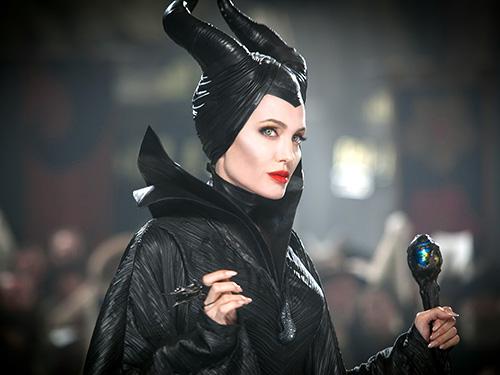 Angelina Jolie trong một cảnh phim Maleficent (Tiên hắc ám). Nguồn: Walt Disney.