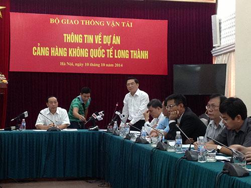 Ông Nguyễn Nguyên Hùng phát biểu tại buổi họp báoẢnh: ĐỖ DU