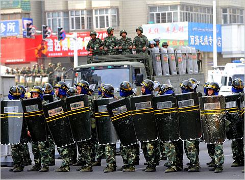 Xung đột giữa lực lượng chính phủ và người Hồi giáo ở Tân Cương vẫn chưa chấm dứt. Ảnh: Channels TV