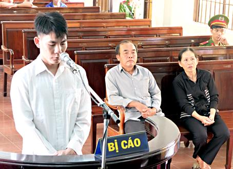 Tại phiên tòa xét xử hình sự sơ thẩm ngày 30-5, Tòa án nhân dân tỉnh đã tuyên phạt bị cáo Trương Ngọc Hoài Mến mức án tử hình về các tội: giết người, cướp tài sản và hiếp dâm.