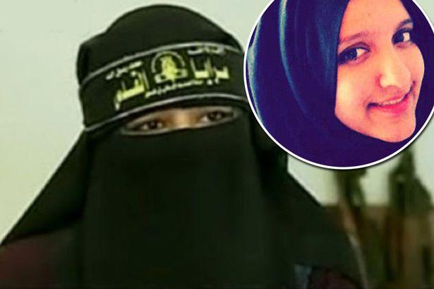 Aqsa Mahmood, 20 tuổi, đến từ Anh, đang nổi lên là một ngôi sao của Lữ đoàn al-Khanssaa. Ảnh: Mirror