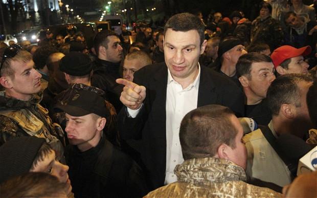 Ukraine: Vitali Klitschko pulls out of presidential race