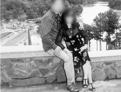 Bức ảnh bà H. chụp chung với ông C. lúc còn mặn nồng.