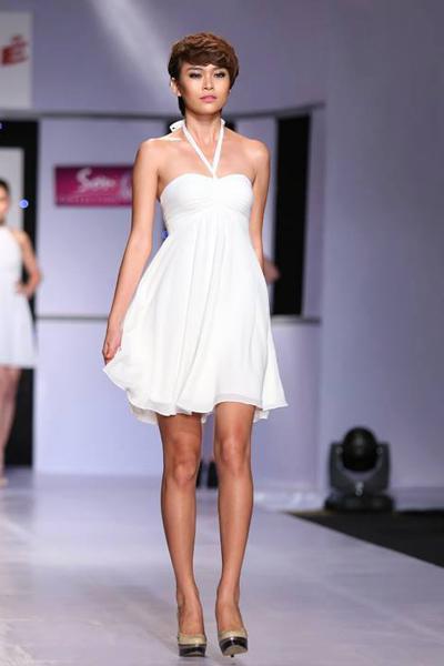 Mâu Thanh Thủy đang là người mẫu được chú ý trên sàn catwalk.