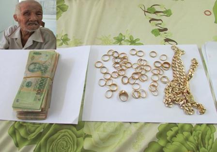 Ông lão ăn xin nhận lại tài sản bị cướp trị giá trên 200 triệu đồng