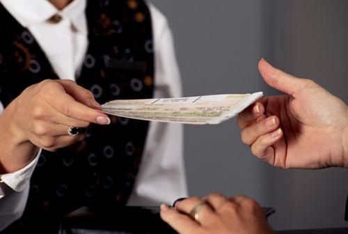 Nếu chưa chắc chắn thời gian nghỉ Tết, hành khách không nên đặt vé quá sớm để tránh đổi trả tốn thêm phí
