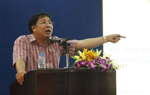ông Đinh Trung Cẩn, giám đốc Trung tâm bảo vệ quyền tác giả âm nhạc Việt Nam (VCPMC) tại TP HCM.